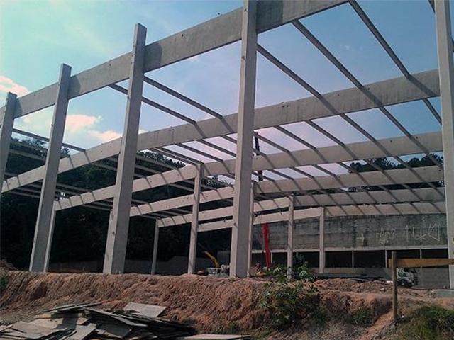 Construção de galpão pré moldado (2)